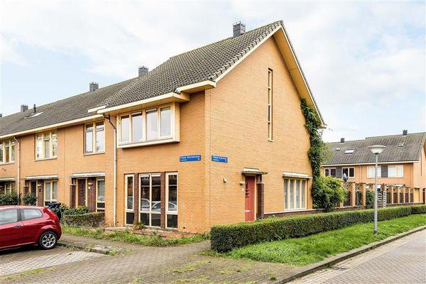 Pieter Kuhnweg 16, Almere