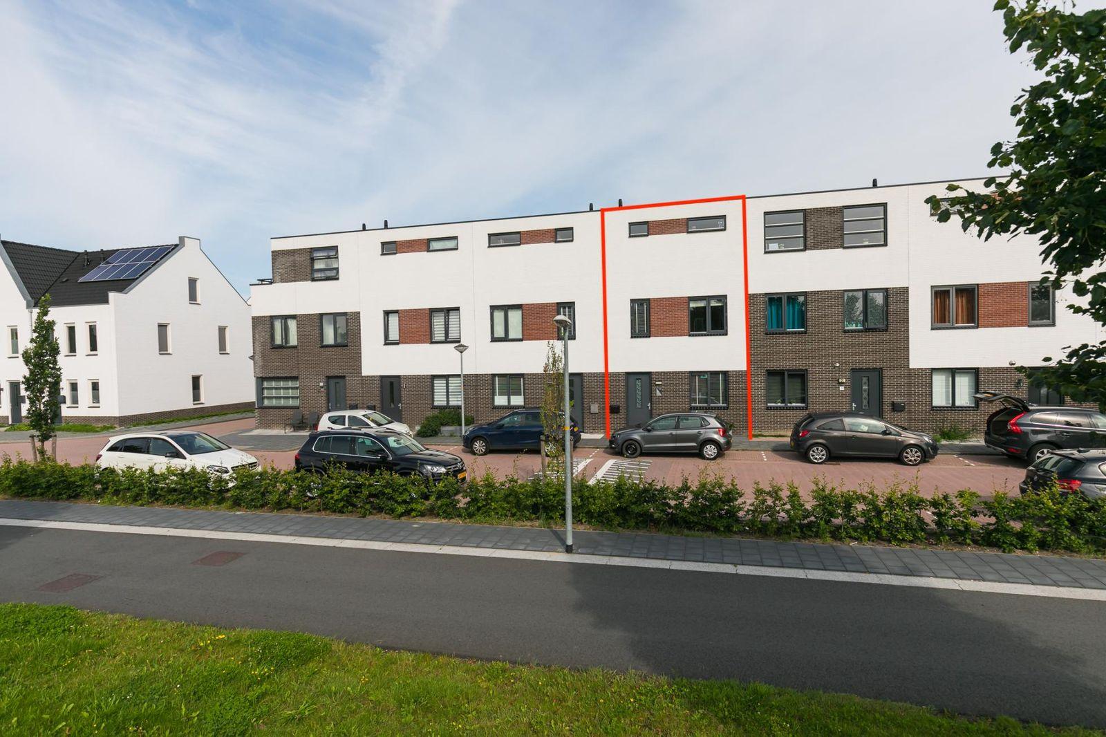 Selendangstraat 28, Almere