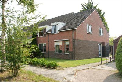 Torenvalk 33, Surhuisterveen