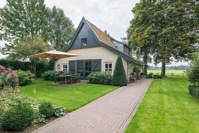 Reintsweg 7, Enter