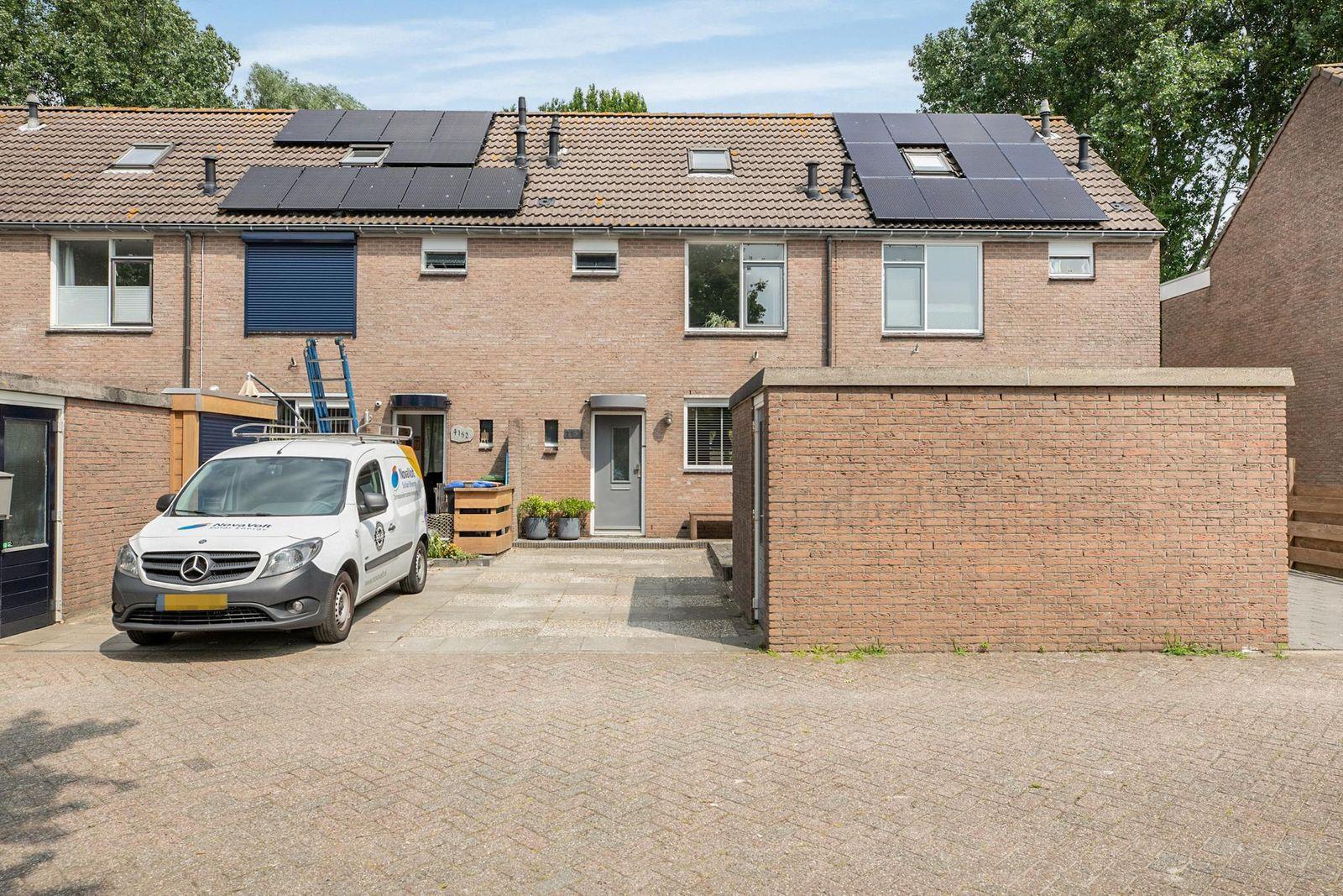 Doorzwin 4151, Julianadorp