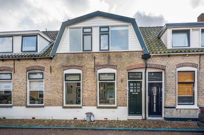 Weeshuisstraat 6, Sommelsdijk