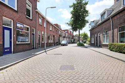 Mr. D.J. van Heusdestraat, Gouda