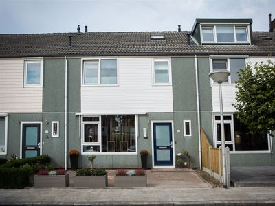 Oostzeestraat 35, Emmeloord