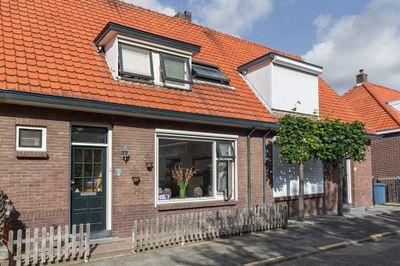 Dirk Bosstraat 25, Middelharnis