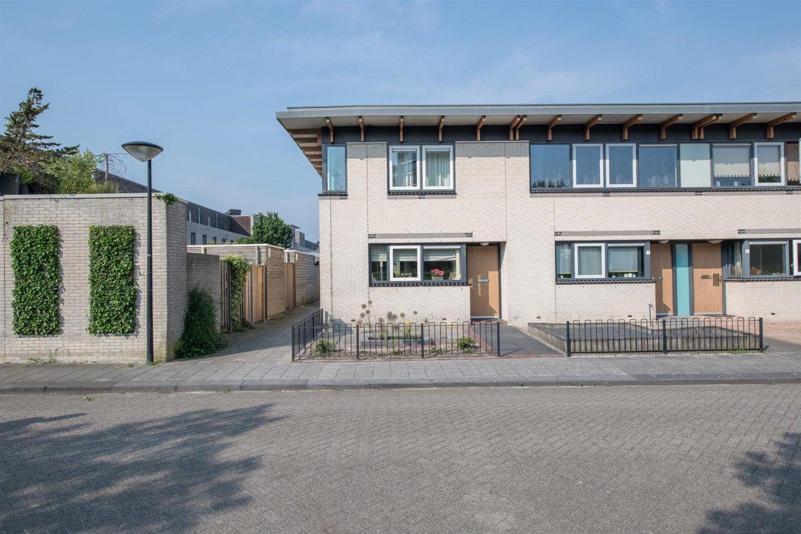 Bornholmstraat 1, Almere
