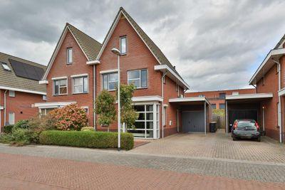 Parelmoervlinder 26, Hoogeveen