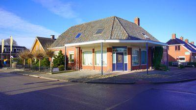 Hoofdweg 44, Wagenborgen