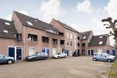 Elzenbroek 68, Breda
