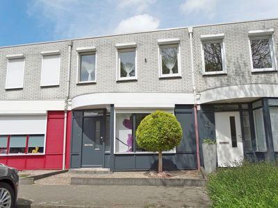 Aartshertogenstraat 64, Maastricht