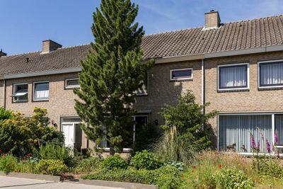 De Stoutheuvel 33, Eindhoven
