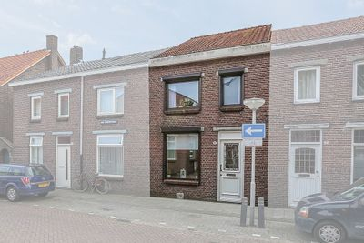 Pieter Breughelplein 8, Tilburg