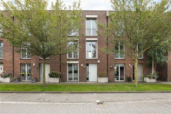 Kiel 48, Almere