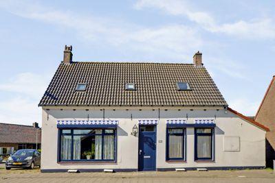 Zuidzandsestraat 97, Oostburg