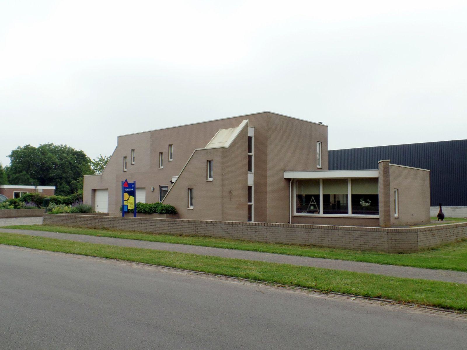 Dorpsstraat 9, Koekange
