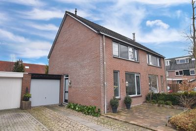 Schoener 48 28, Lelystad