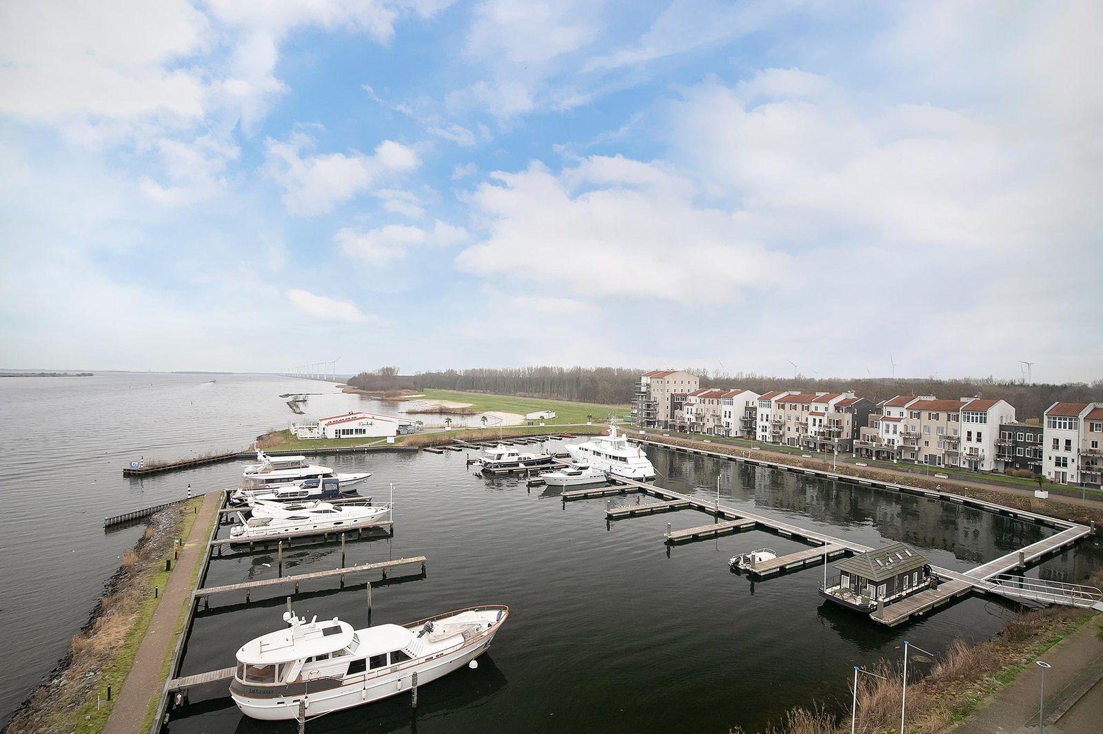 Slingerweg 3-F 10, Zeewolde
