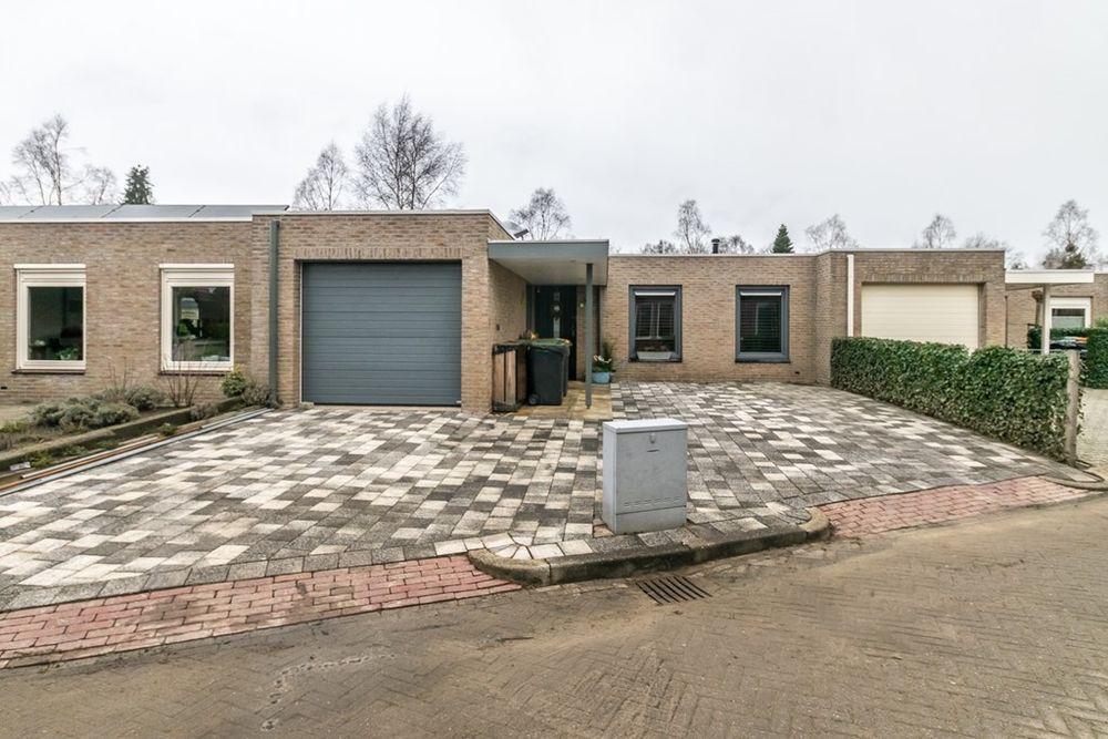 De Oostmaden 28, Hoogeveen