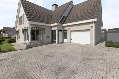 Zandeweg 18, Oudenbosch