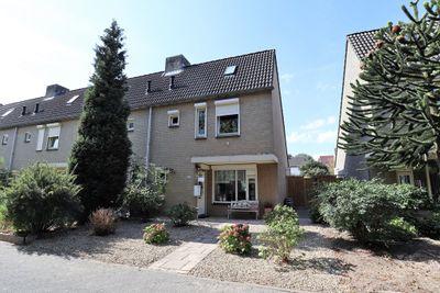 Magnoliastraat 12, Venlo
