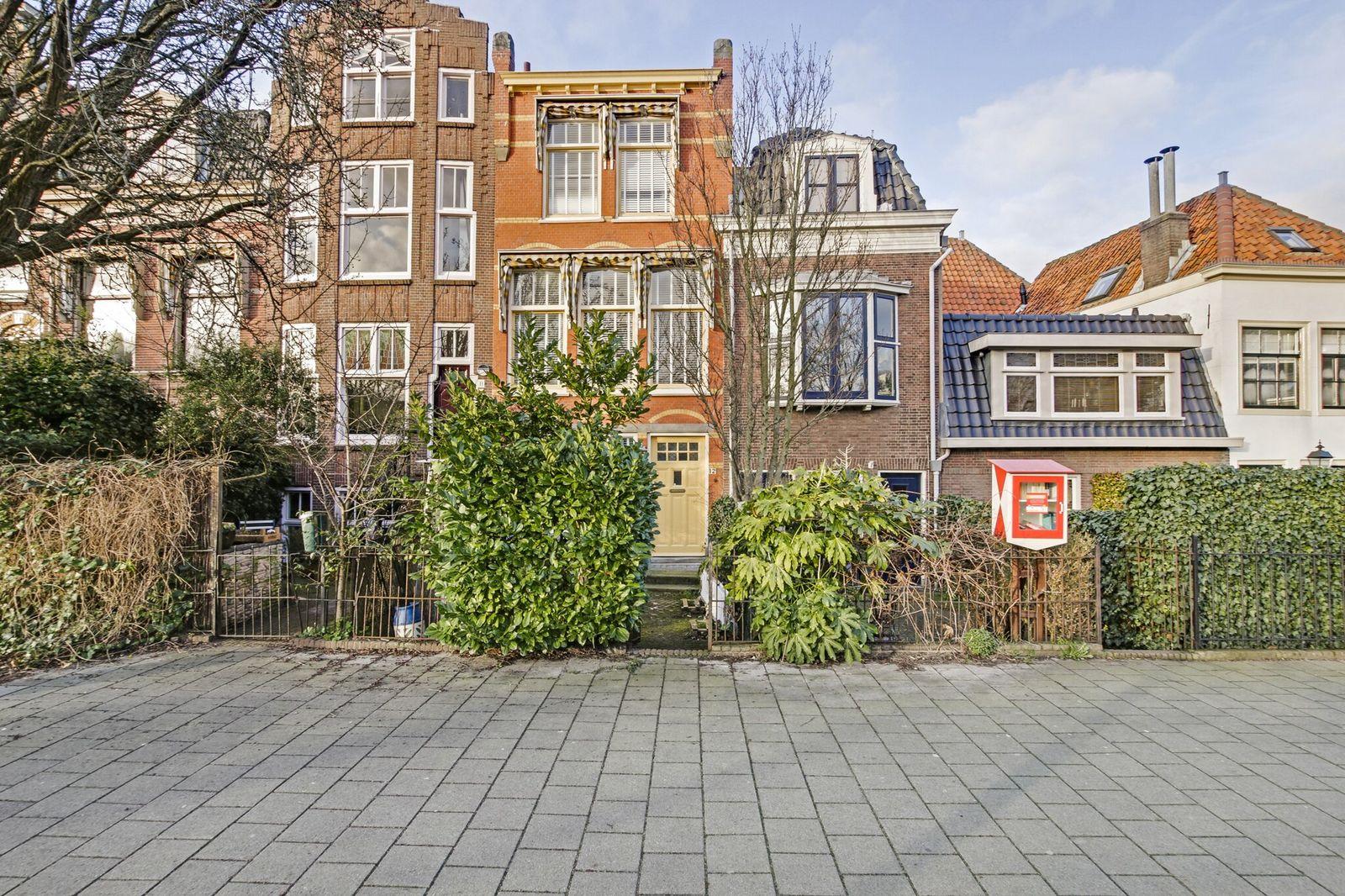 Jan van Houtkade 12, Leiden