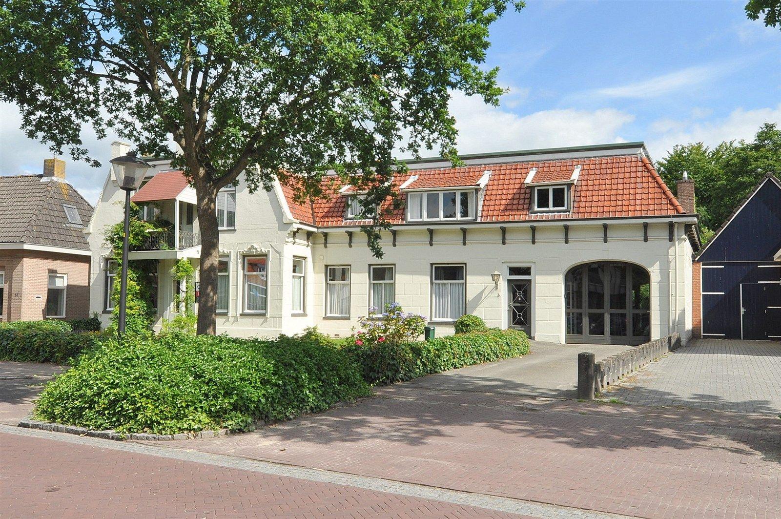Dorpsstraat 43, De Wijk