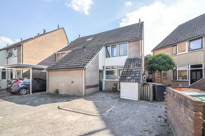 Landsteinerhof 9, Hoogeveen
