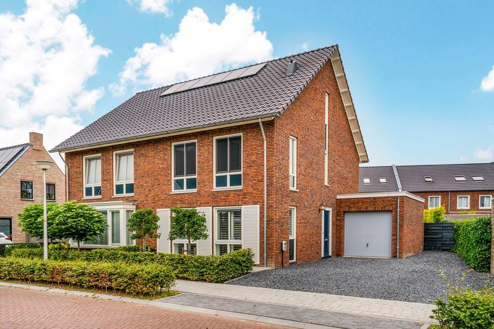 Hooge Veld 35, Rhenoy