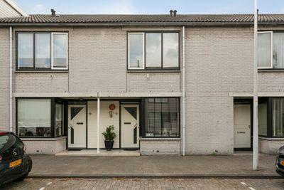 Heintje Davidsweg 32, Leiden