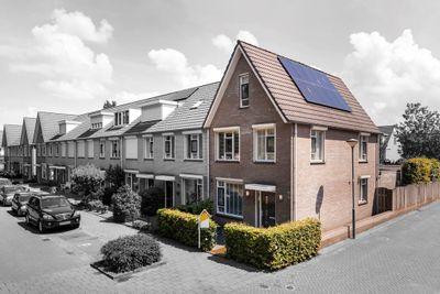 Bunzinglaan 43, Veenendaal