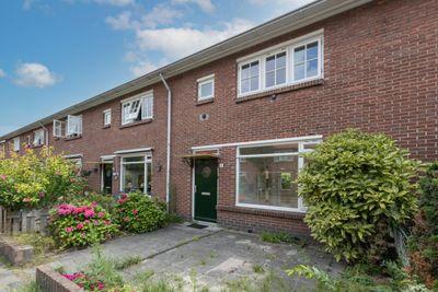 Adelaarstraat 12, Hilversum