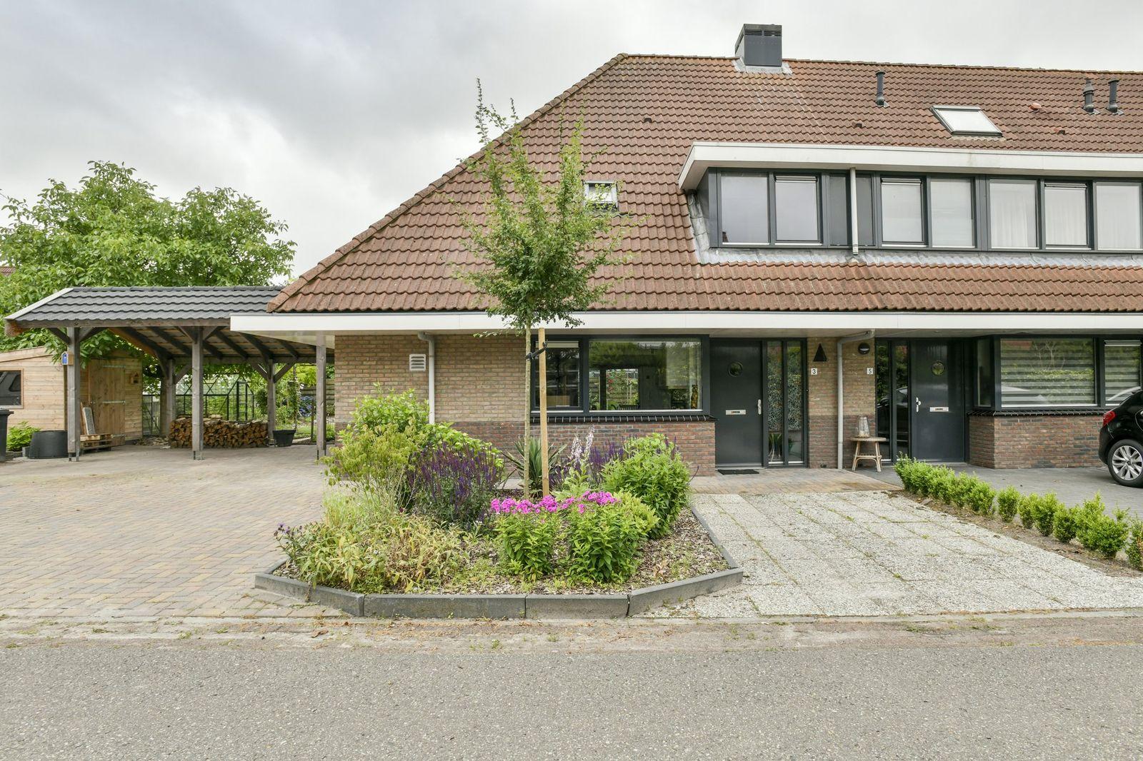 Robijndreef 3, Emmen