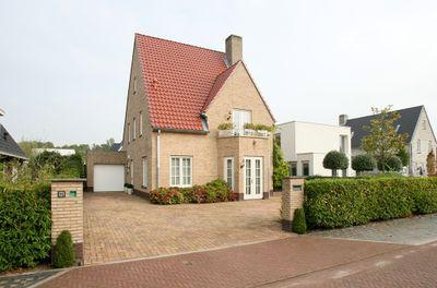 Abdis Clarahof 11, Den Haag