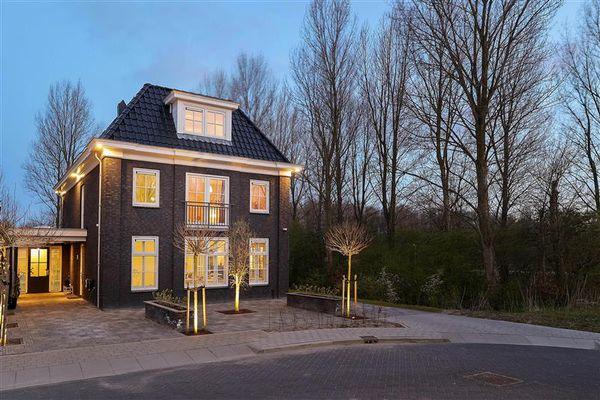 Slipsteek 21, Almere