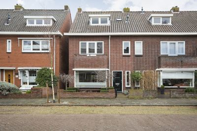 Jan van Arkelstraat 8, Kampen