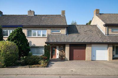 Maconlaan 10, Maastricht