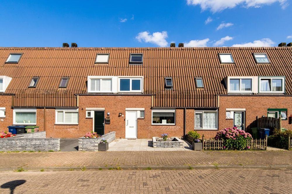 Bosgouw 69, Almere