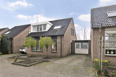 Amberberg 37, Roosendaal