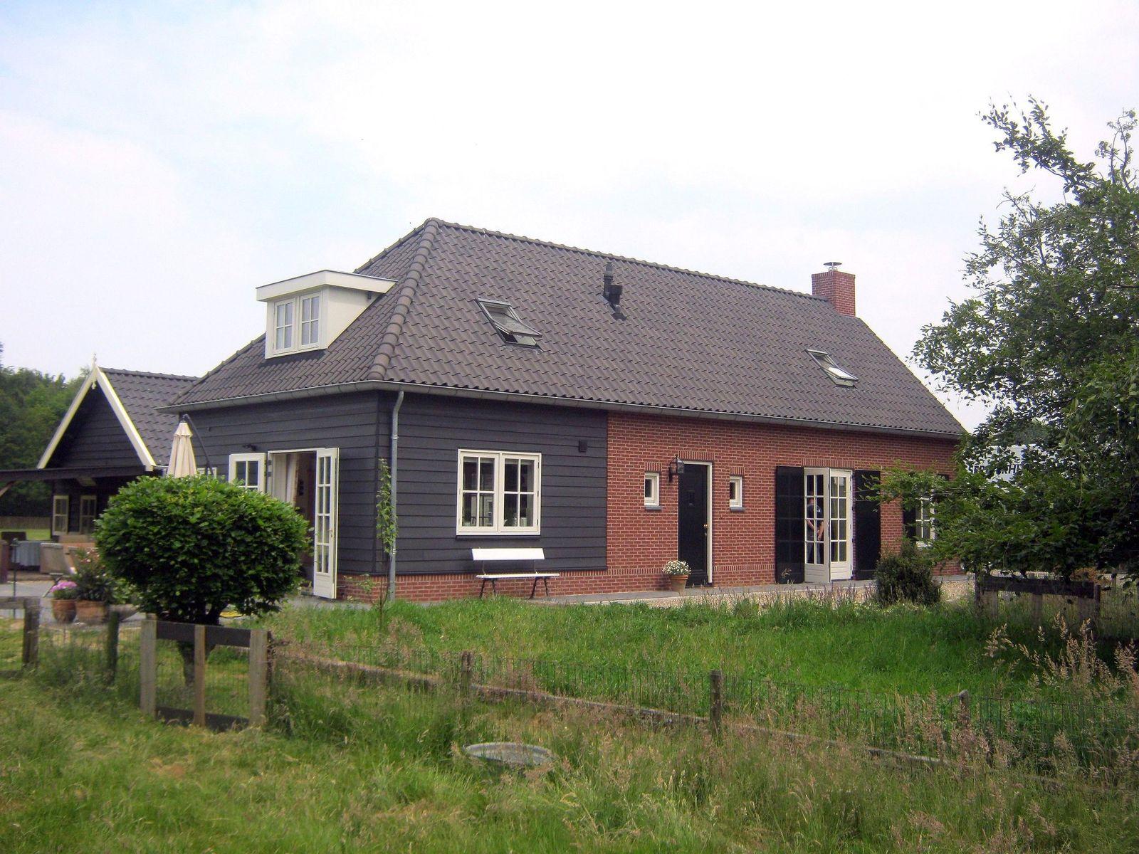 Valkhofscheweg 10-., Velp