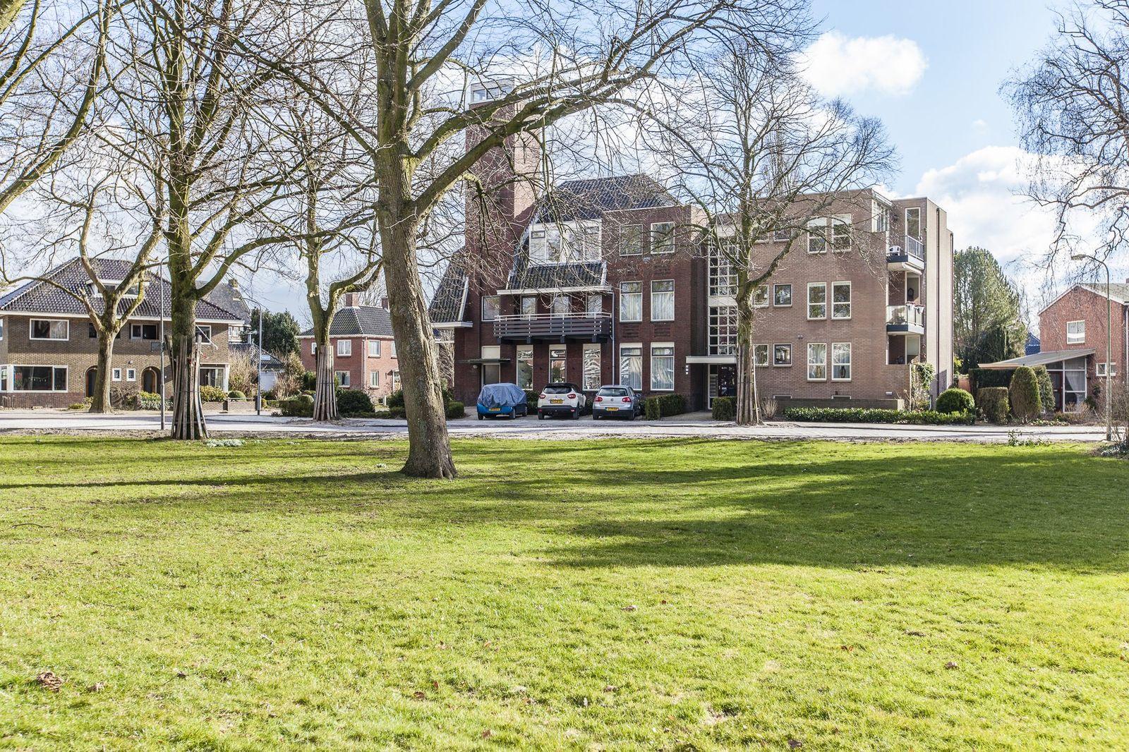 Burgemeester Bartelsstr 2-., Hoogezand
