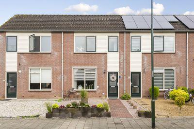 Dokter van Wieringenstraat 3, Waardenburg