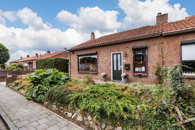 Leeuwerikstraat 33, Hoensbroek