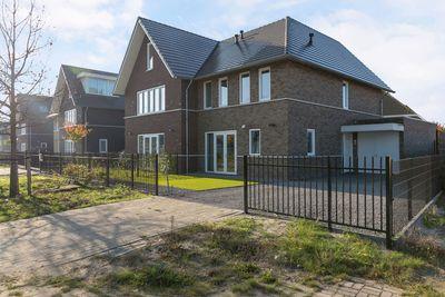 Zilvermeeuwlaan 13, Almere
