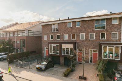 Desertosingel 55, Capelle aan den IJssel
