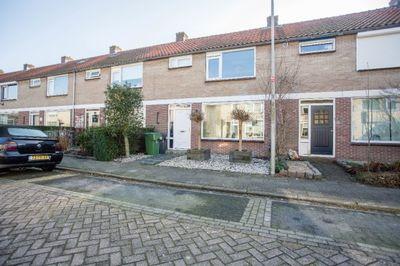 Beatrixstraat 16, Klaaswaal