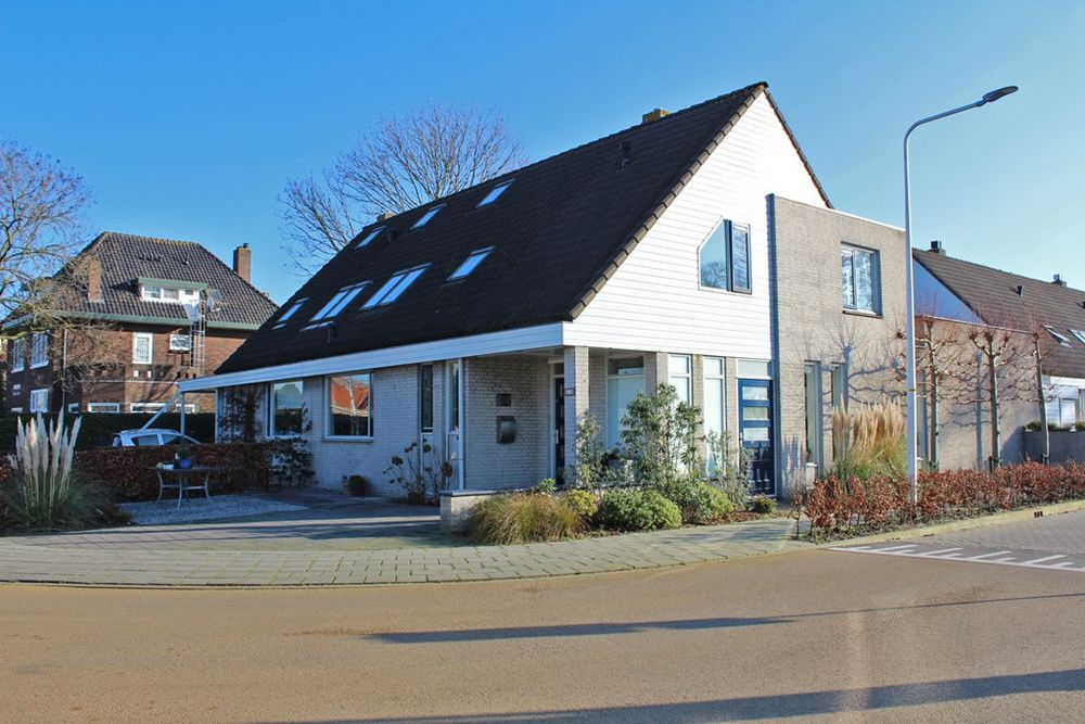 Westeinde 81b, Roelofarendsveen