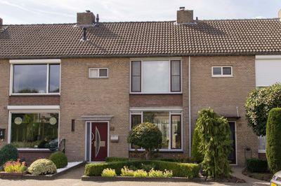 Gezellelaan 100, Roosendaal