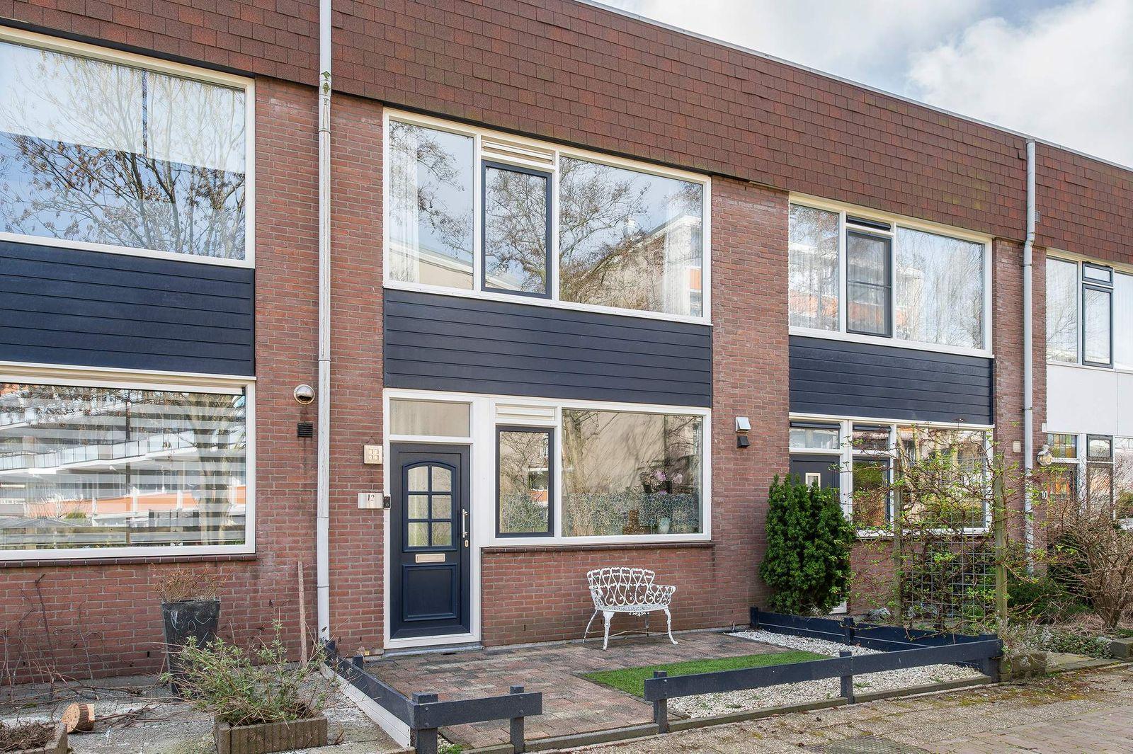 Robinia 12, Naaldwijk