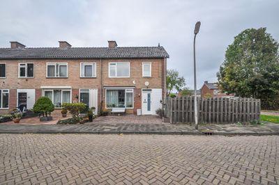 Spireastraat 16, Hoogeveen