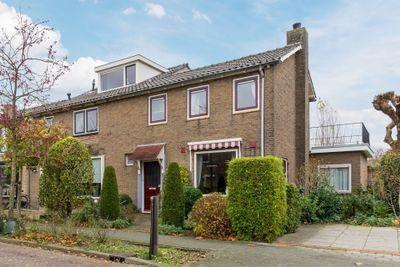 Van den Steen van Ommerenstraat 3, Nijkerk